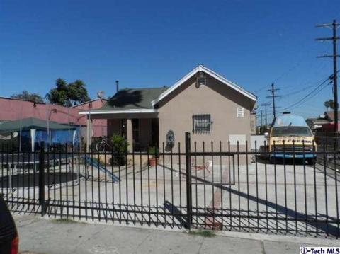 819 W 82nd St, Los Angeles, CA 90044