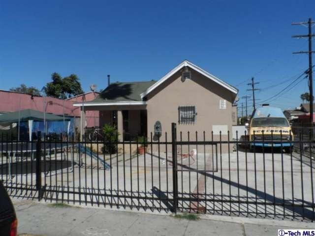 819 W 82nd St, Los Angeles, CA 90044