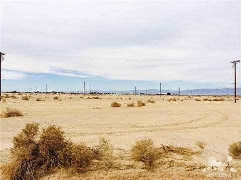1014 Peru Ave, Salton Sea, CA 92274