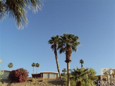 44 Country Club Dr, Palm Desert, CA 92260