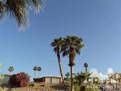 44 Country Club Dr, Palm Desert, CA 92260