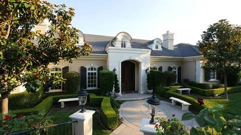 94 Queens Garden Dr, Thousand Oaks, CA 91361