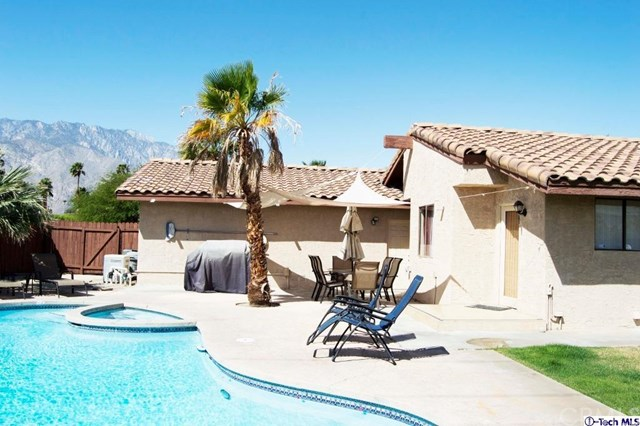 2406 N Whitewater Club Drive, Palm Springs, CA 92262