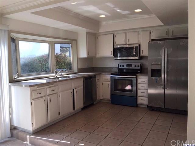 15352 Violetlane Way, Canyon Country, CA 91387