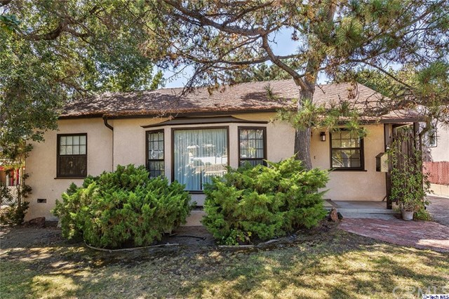 4437 Young Dr, Montrose, CA 91020