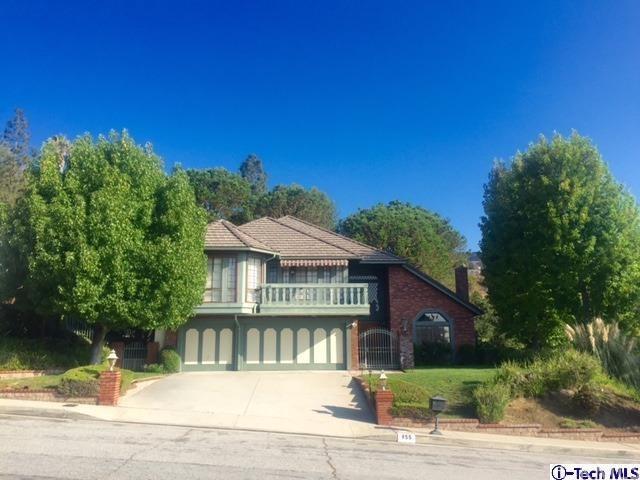 855 Moorside Dr, Glendale, CA 91207