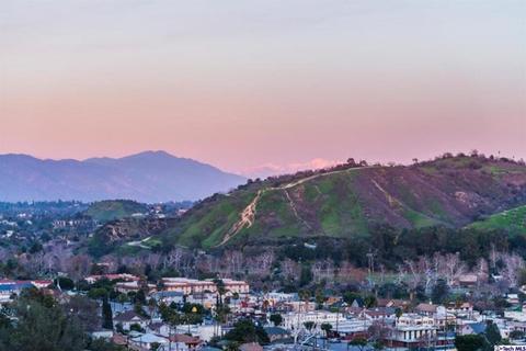 3935 Glenalbyn, Los Angeles, CA 90065