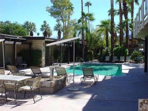 290 S San Jacinto Dr #1, Palm Springs, CA 92262