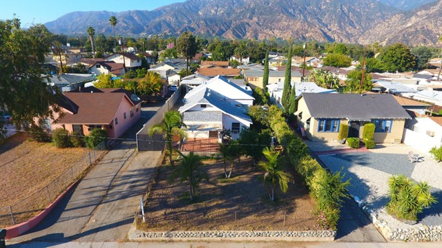 1749 Atchison St, Pasadena, CA 91104
