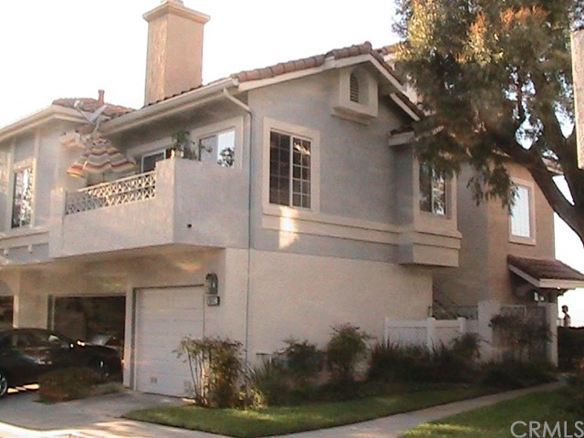 8047 E Sandstone Dr, Anaheim, CA