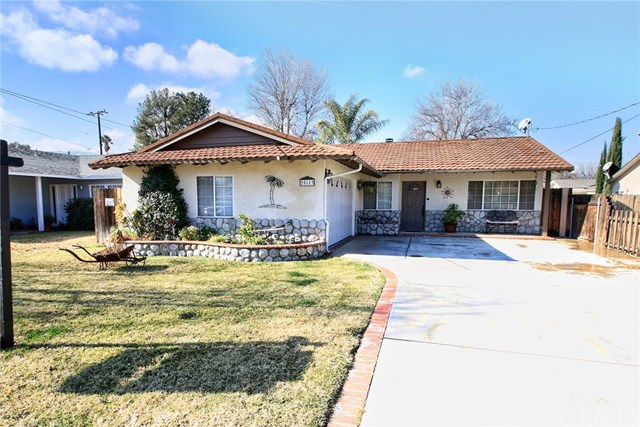 25113 De Wolfe Rd, Newhall, CA