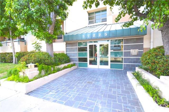 11225 Peach Grove St #APT 304, North Hollywood, CA