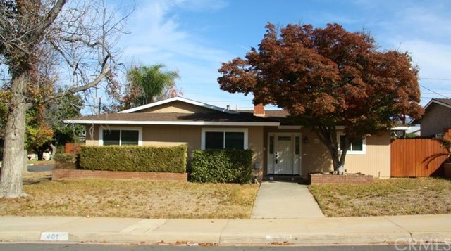401 Robinhood Ln, Redlands, CA