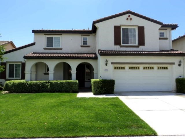13845 Peach Grove Ln, Corona, CA