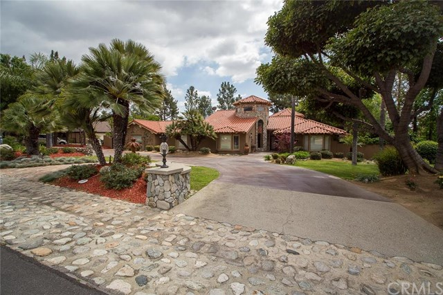 828 Alamosa Dr, Claremont, CA