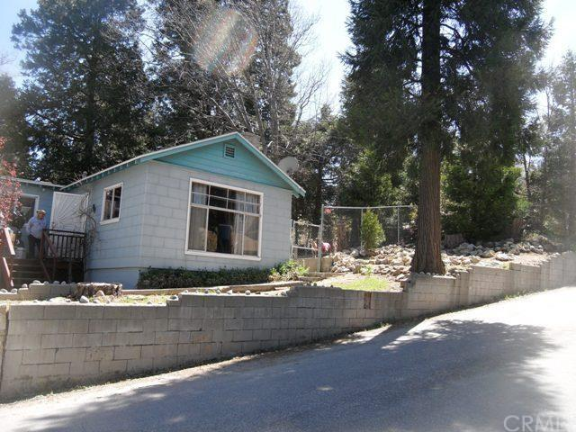 687 Rose Ln, Twin Peaks CA 92391