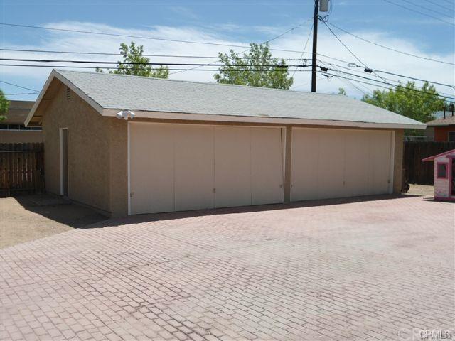 15395 Wanaque Road, Apple Valley, CA 92307