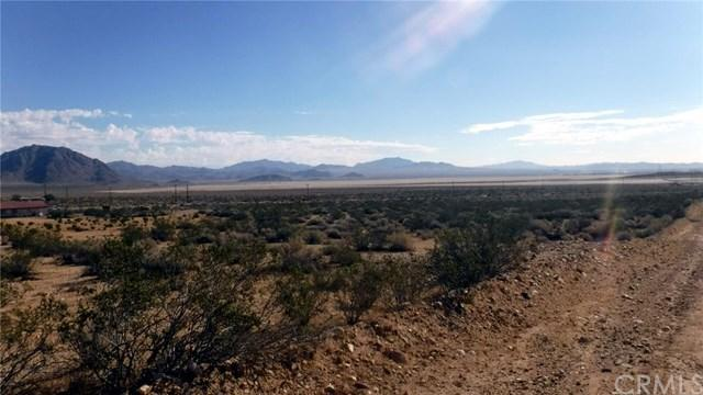 30600 Cove Rd, Lucerne Valley, CA 92356