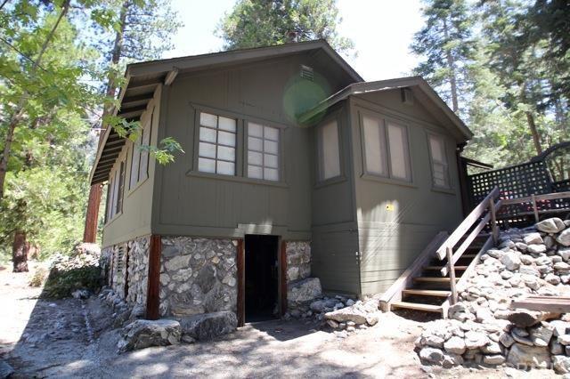 9550 Falls Rd, Forest Falls CA 92339
