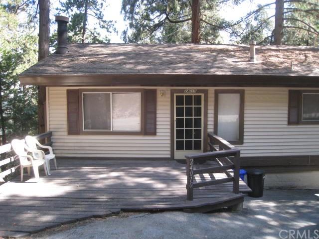 24010 Lakeview Dr, Crestline, CA