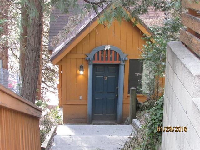 906 Big Oak Rd, Crestline CA 92325