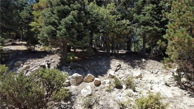 26610 Thunderbird Dr, Lake Arrowhead, CA 92352