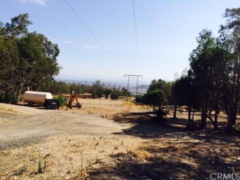 1681 Martin Ranch Rd, San Bernardino, CA 92407