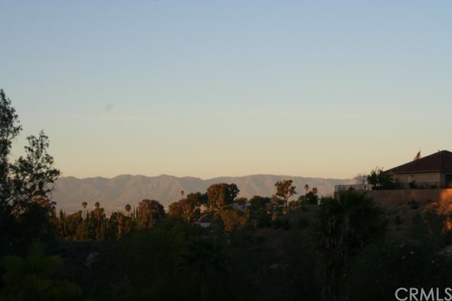 2107 Gainsborough Drive, Riverside, CA 92506