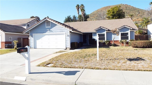 8301 Tamarind Ln, Riverside, CA