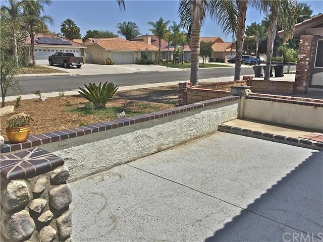 1490 Shady Oaks Drive, Perris, CA 92571