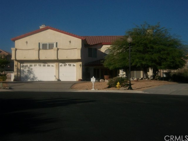 17633 Crown Valley Ct, Apple Valley, CA