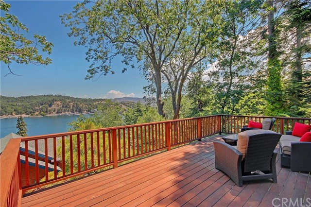 28806 Cedar Dr, Lake Arrowhead, CA