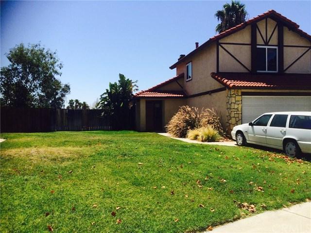 27889 Fieldstone Dr, Highland, CA