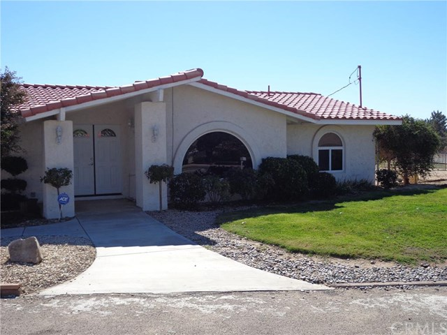 15485 Idaho Rd, Apple Valley, CA
