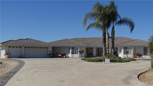 16105 Perry Heights Dr, Riverside, CA