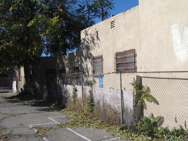 10505 S San Pedro Street, Los Angeles, CA 90003