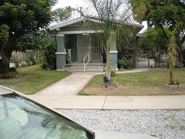 157 W Hanna St Colton, CA 92324
