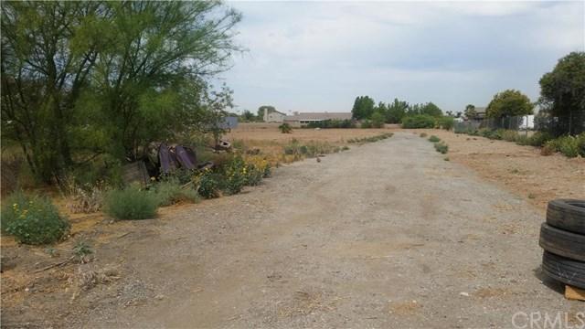 10658 Locust Ave, Bloomington, CA 92316