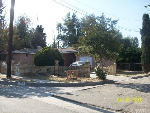1202 W 19th St, San Bernardino, CA 92411