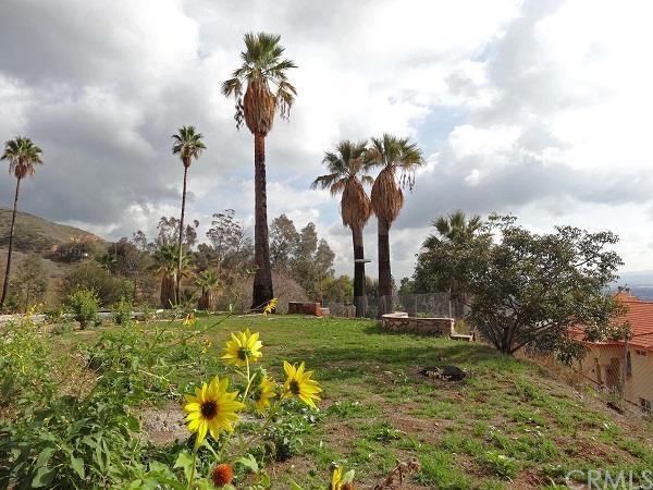 1404 Quail Hollow Rd, San Bernardino, CA 92404