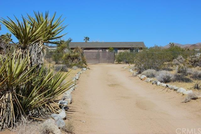 674 Deer Trl, Yucca Valley, CA 92284