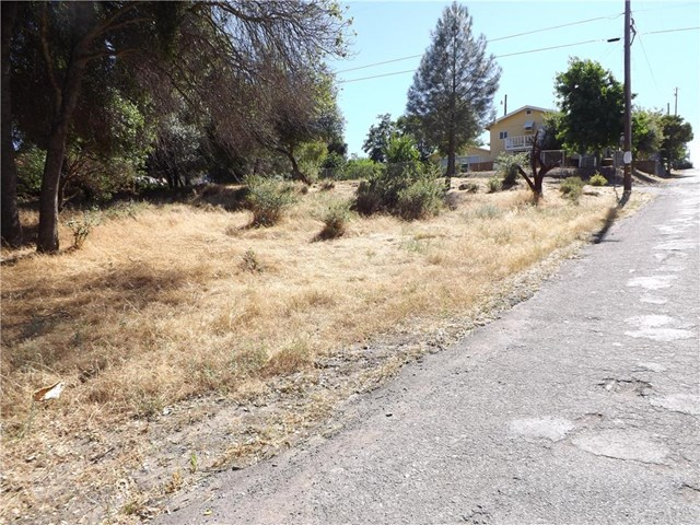3218 3rd St, Clearlake, CA 95422