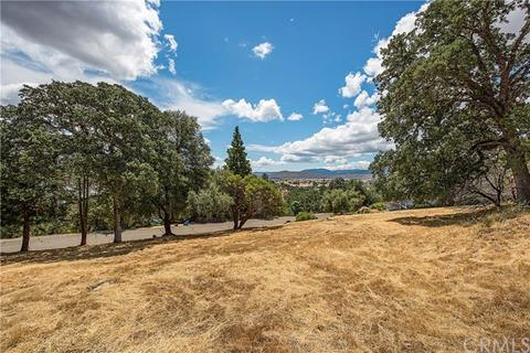 16960 Knollview Dr, Hidden Valley Lake, CA 95467