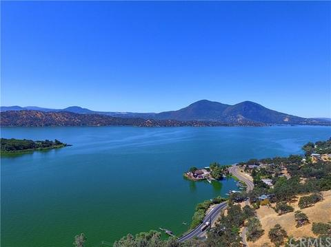 12300 Lakeview Dr, Clearlake Oaks, CA 95423
