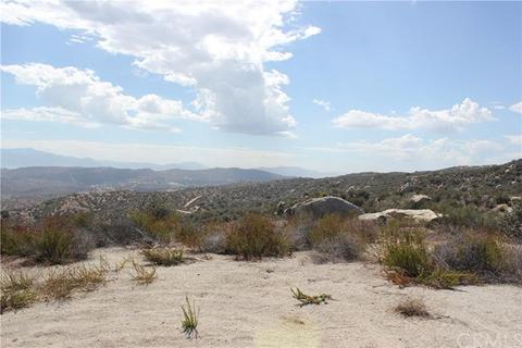 18 Polley, Nuevolakeview, CA 92567