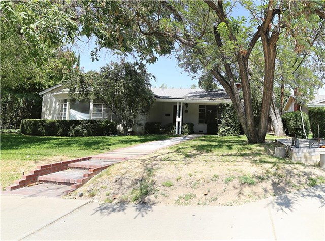 929 E Olive Ave, Merced, CA