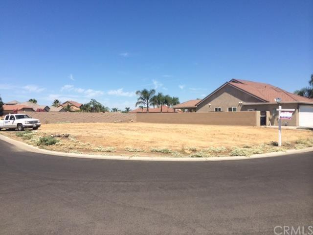 8170 Lake Shore Dr, Chowchilla, CA 93610