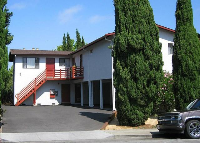 661 Hampshire Ave, Redwood City, CA 94063