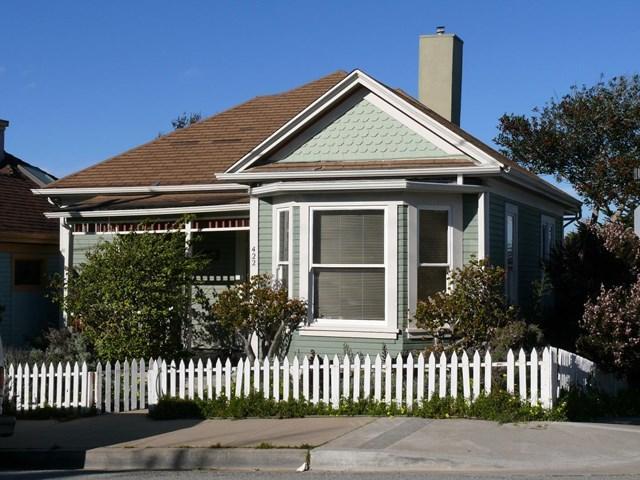 422 Laurel Ave Pacific Grove, CA 93950