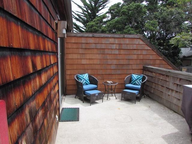 461 Dela Vina Ave #210 Monterey, CA 93940